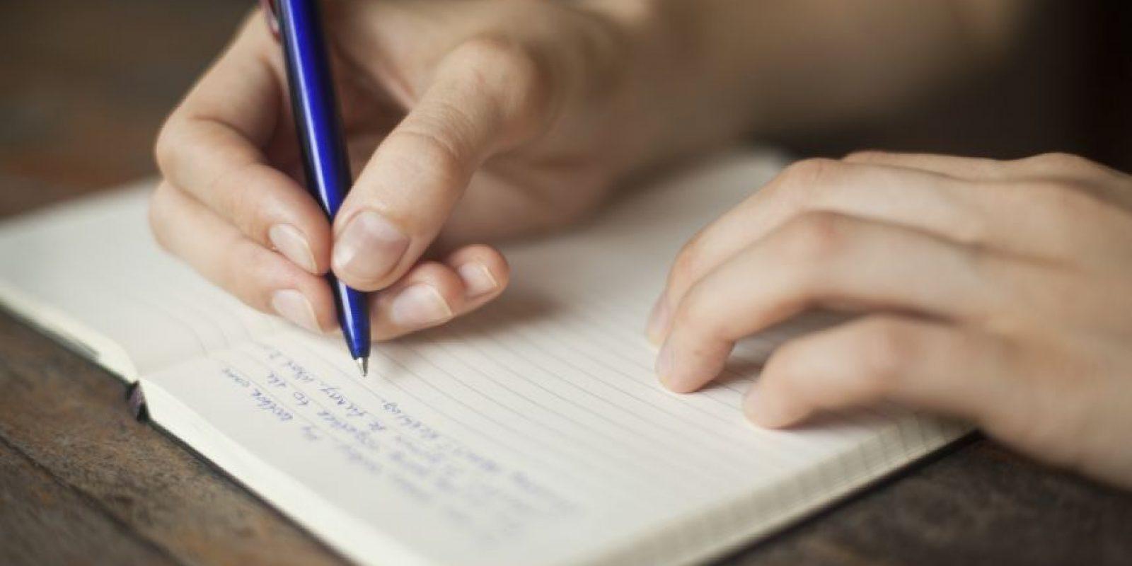 Escribe tu lista de resoluciones para que puedas revisarlas periódicamente.