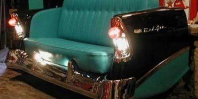 Otras compañías han dado un nuevo uso a la carrocería convirtiéndola en un sofá Foto:Vía pinterest