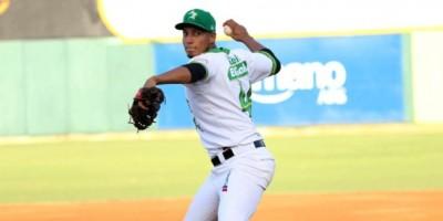 Salcedo y Valdespín guían tercer triunfo de las Estrellas en el Round Robin