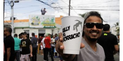 """Un """"rally"""" para despedir el año con vaso en mano"""