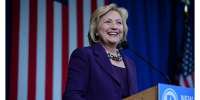 Hillary Clinton: Ciertamente volveremos a saber de la candidata estadounidense de 68 años de edad, que busca la nominación demócrata en la carrera presidencial de 2016. Con el apoyo del actual POTUS Barack Obama, Clinton tiene grandes posibilidades de ganar las elecciones de noviembre para convertirse en la primera mujer jefa de los Estados Unidos.