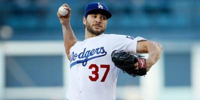 Los Dodgers renuevan contrato por un año con Brandon Beachy