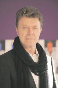 """1. David Bowie. Será de los primeros en dar la bienvenida al 2016 en términos musicales: para el 8 de enero está preparado el lanzamiento de """"Blackstar"""", cuyo tema homónimo ya estrenado ha dado mucho que hablar debido a su larga duración –de 10 minutos–, su densidad y genialidad. El día del estreno coincidirá con el cumpleaños 69 del artista Foto:Archivo"""