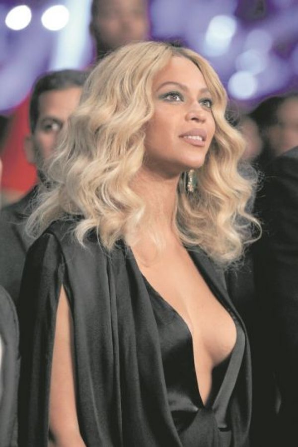 """5- Beyoncé. Han pasado dos años desde que la mujer de Jay-Z nos sorprendía a todos con su repentino """"Beyoncé"""", tiempo más que suficiente para que haya trabajado en nueva música. Los últimos rumores señalan que la artista se había desplazado la recién pasada Navidad hasta Nueva Orleans para grabar el videoclip de un sencillo en potencia. Foto:Archivo"""