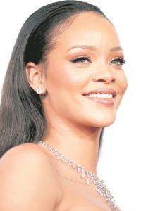 """7- Rihanna.Tenía a sus fanáticos mal acostumbrados, con un lanzamiento por año. Ha presentado hasta cuatro supuestos sencillos de su probable apuesta e incluso ha dado a conocer el nombre del disco, """"Anti"""", pero sigue sin desvelar la fecha en que dará a conocer. Foto:Archivo"""