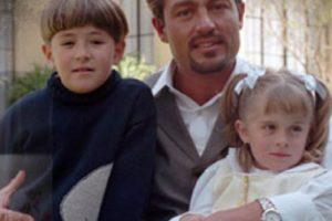 """Porque estaban atormentados por su bruja madrastra y añoraban a su padre. Se llamaban """"Lisette"""" y """"Carlitos Bracho"""". Foto:vía Televisa"""