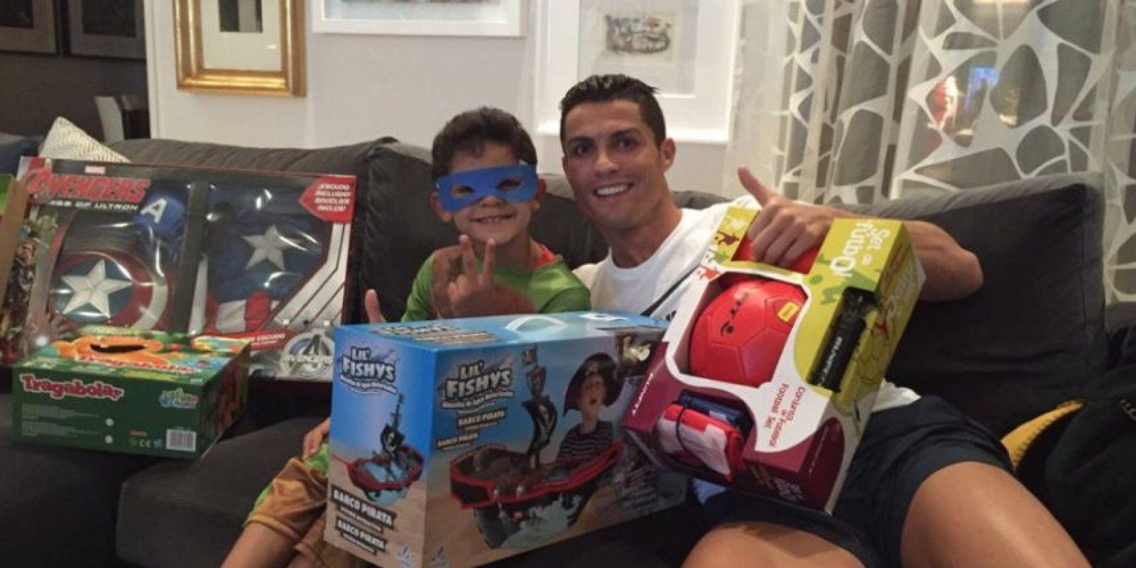 Cristiano Ronaldo y su hijo Cris Jr. Foto:Vía instagram.com/cristiano