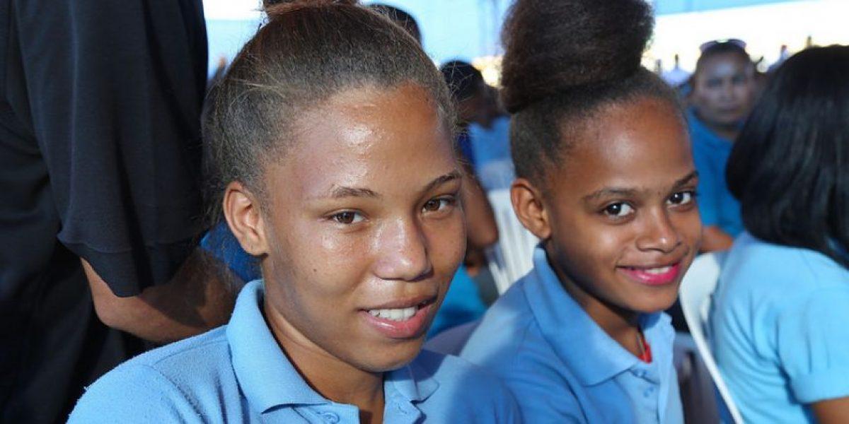 Medina recuerda inversión en educación pública y otros logros de gestión
