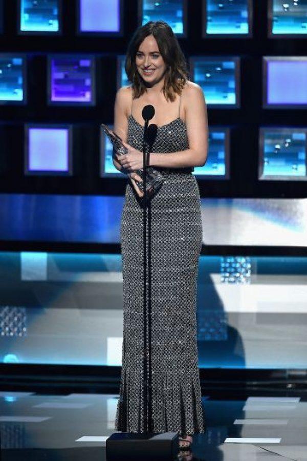 """""""Leslie acaba de romperme el vestido. Bueno, no es como si nadie de aquí no me hubiera visto ya los pechos"""", aseguró la actriz en su discurso. Foto:Getty Images"""