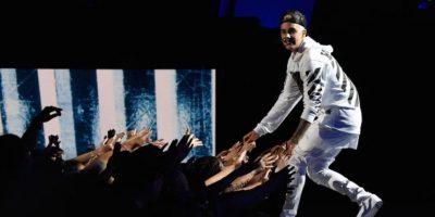 Después de haber iniciado su concierto en Oslo, el ídolo canadiense abandonó el escenerio tras discutir con sus fans. Foto:Getty Images