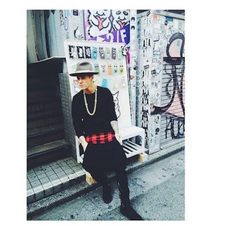 """En Brasil sacó su lado """"pandillero"""" y se puso a graffitear las calles. Foto:Instagram/justinbieber"""