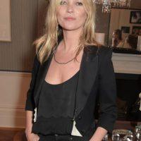 Sigue posando para editoriales y, ahora, está casada con Jamie Hince, guitarrista de The Kills. Foto:vía Getty Images