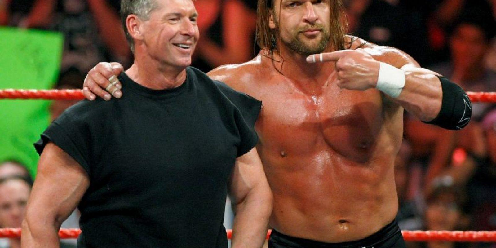 """Es padre de Stephanie McMahon, la actual jefa de la marca """"WWE"""", quien también es gerente de la compañía sobre el ring. Foto:Getty Images"""