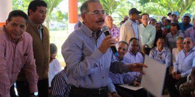Danilo Medina afirma que con plantas a carbón se acerca fin de los apagones