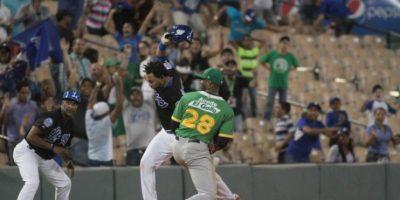 Los Tigres ganan de nuevo y ponen un pie en la final del béisbol dominicano