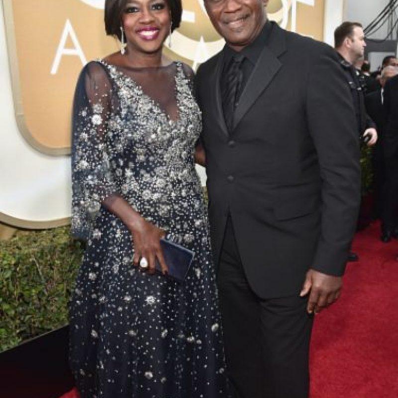 El problema son las mangas de Viola Davis. Eso le resta elegancia al vestido. Foto:vía Getty Images