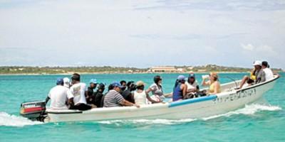Interceptan embarcación transportaba ilegalmente a Puerto Rico a 20 personas