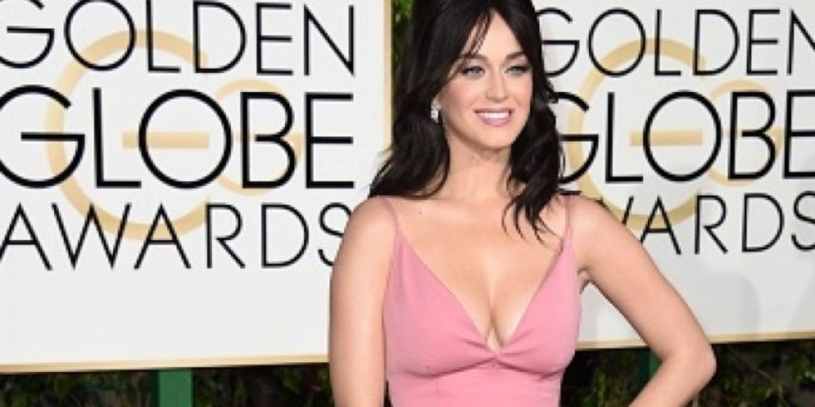 """Katy Perry también ha dado mucho de qué hablar por su vestido en los """"Golden Globes"""". Foto:vía Getty Images"""