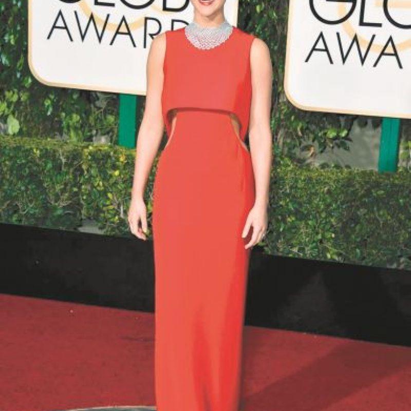 Jennifer Lawrence destaca su figura con diseño de Dior. Foto:Fuente Externa