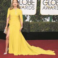 J.Lo con este vestido de Giambattista Valli demuestra por qué es un ícono de la moda.