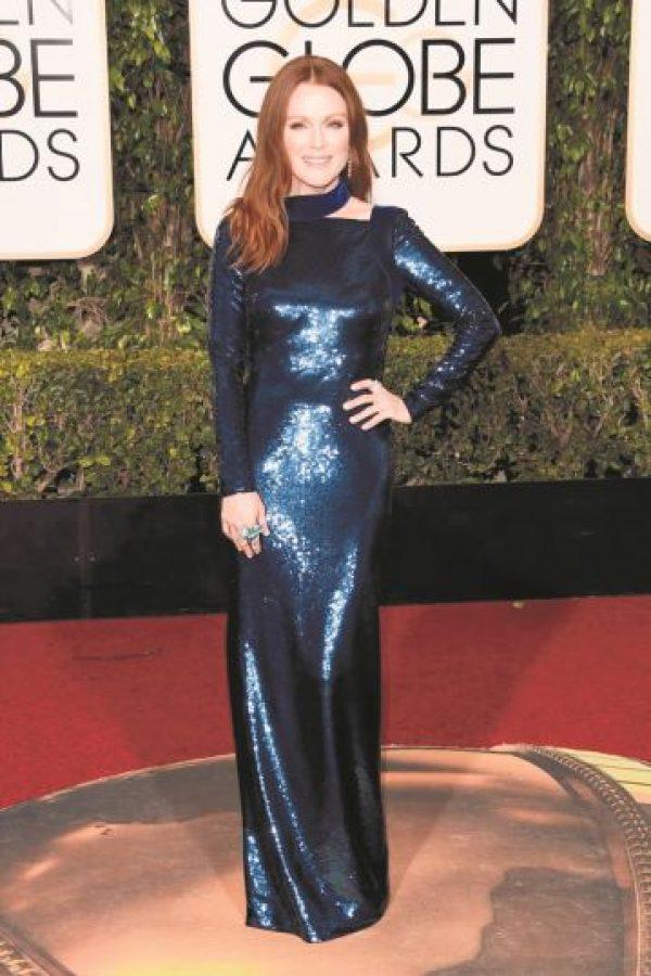 Julianne Moore regia con este vestido metálico de Tom Ford Foto:Fuente Externa
