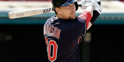 Miami le da contrato al infielder Chris Johnson