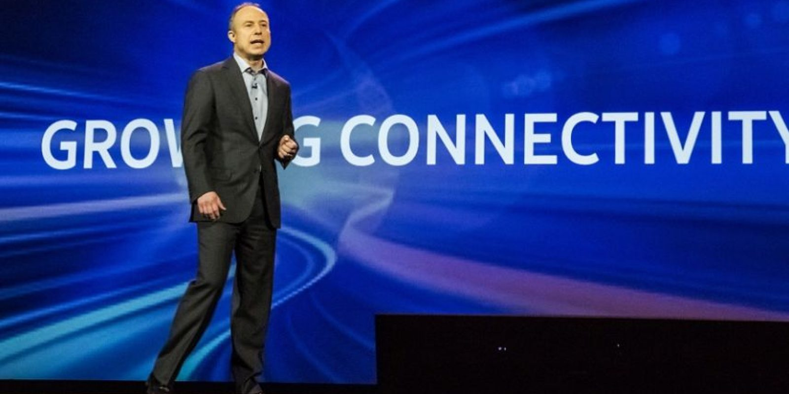 Tim Baxter, presidente y director de operaciones de Samsung Electronics América, dirigió la conferencia de prensa exclusiva de la empresa en el CES 2016. Foto: cortesía samsung