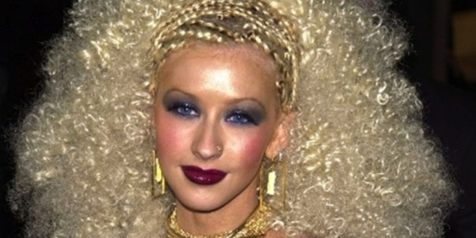 Christina Aguilera con este esperpento. Foto: vía Getty Images
