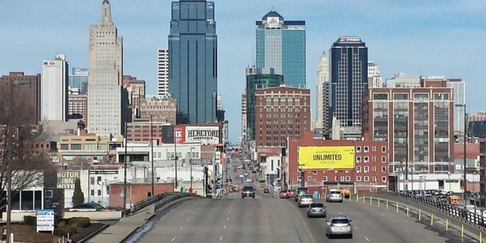 2. Overland Park, Kansas. Este año, su crecimiento de empleo fue de tan solo .77 por ciento. Sin embargo, anualmente se puede generar una ganancia de 72 mil 231 mil dólares. Foto:Vía Pixabay