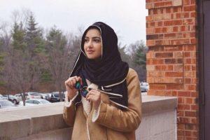 """Summer Albarcha. Creó en 2012, en Instagram, la cuenta """"Hipster Hijabis"""". La estadounidense de 19 años ha visto cómo a través de los estilismos que presenta se han unido mujeres incluso de otras confesiones religiosas para apoyarla en sus declaraciones de estilo. Foto:Fuente Externa"""