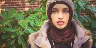 """Amara Majeed. Creadora de """"The Hijab Project"""", portal en el que varias mujeres, musulmanas o no, comparten su experiencia usando esta prenda en público. Tiene 18 años y fuertes convicciones políticas al respecto: """"Al usar el hiyab me niego a ser sexualizada y objetificada"""", afirma en su página. """"No soy valorada por mi apariencia sino por mi inteligencia"""". Foto:Fuente Externa"""