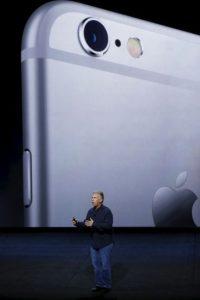 iPhone 6s se puede conseguir desde 649 dólares sin contrato, mientras que el iPhone 6s comienza en los 749 dólares. Foto:Getty Images