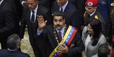 Protesto por la eliminación de las imágenes de Hugo Chávez Foto:AFP