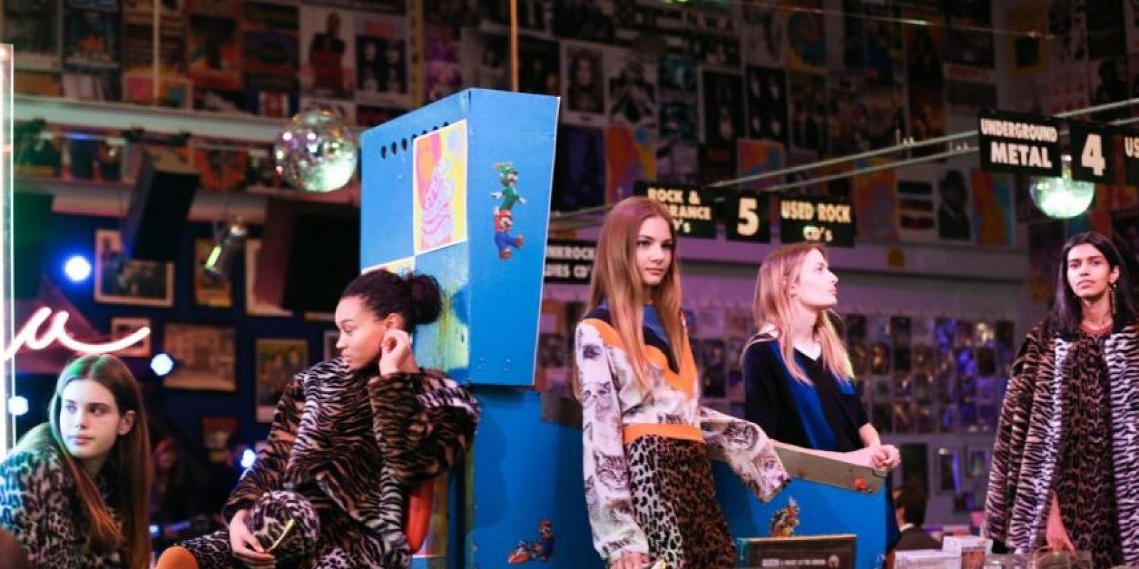 Modelos luciendo piezas de la nueva colección de Stella McCartney durante su presentación Foto:Fuente Externa