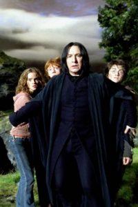 """""""Acabo de regresar del estudio de grabación de voz, donde he hablado ante un micrófono como """"Severus Snape"""" por última vez. En la pantalla vi algunas tomas en retrospectiva de Daniel, Emma, y Rupert de hace 10 años. Tenían 12 años"""" Foto:Warner Bros"""