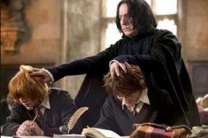 """""""que contenía una muy pequeña clave, y que me persuadió de que había más en Snape que un repetitivo vestuario, y que aunque sólo habían sido publicados 3 libros para ese entonces, ella dejaba su inmensa y dedicada narrativa en las mejores manos"""" Foto:Warner Bros"""