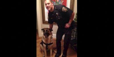 Un día, mientras el policía se encontraba patrullando, un vecino le pidió una fotografía. Korhs aceptó y en unas horas, la imagen estaba en las redes sociales y causaba revuelo. Foto:Vía Facebook.com/hotcopofcastro