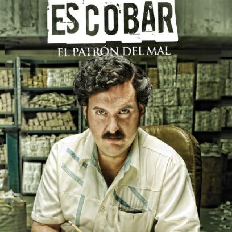 Esta fascinante serie narra la vida del infame Pablo Escobar, desde sus días como ratero hasta convertirse en el jefe de un imperio del narcotráfico. Foto:vía Netflix