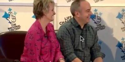 David y Carol Martin padres de su exnovia fueron anunciados como los ganadores el pasado 13 de enero. Foto:Vía Youtube