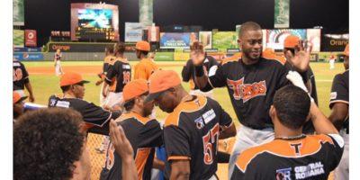 Toros dan paso de avance hacia final del béisbol dominicano