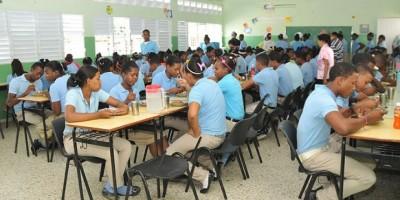 La deserción escolar disminuye en las escuelas de la Tanda Extendida