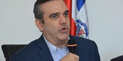Luis Abinader acusa al PLD de