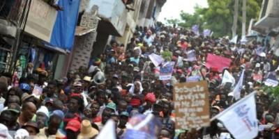 Manifestación violenta por el centro de Puerto Príncipe
