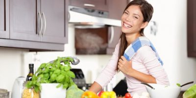Trata de preparar tus alimentos, así tendrás más control de lo que comes. Foto:Fuente Externa