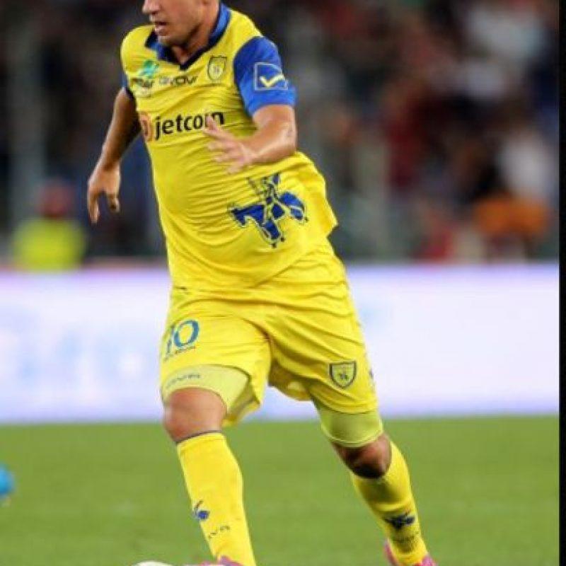 18 de octubre de 2014: jugando por el Chievo Verona. Un físico envidiable Foto:Getty Images