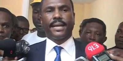 El candidato opositor haitiano renuncia oficialmente a presentarse a comicios