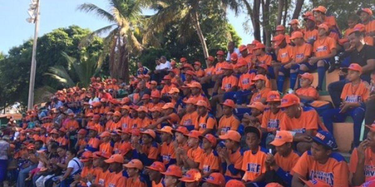 Academia la Javilla inicia sus actividades; honrarán a Juan de los Santos