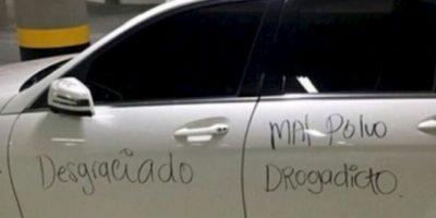 Ella escribió en el auto del culpable. Foto:vía Facebook