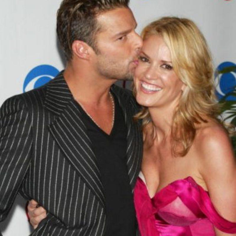 Ricky Martin salió bastante tiempo con Rebecca de Alba. Ella creyó que se iban a casar. Pero rompieron. Foto:vía Getty Images