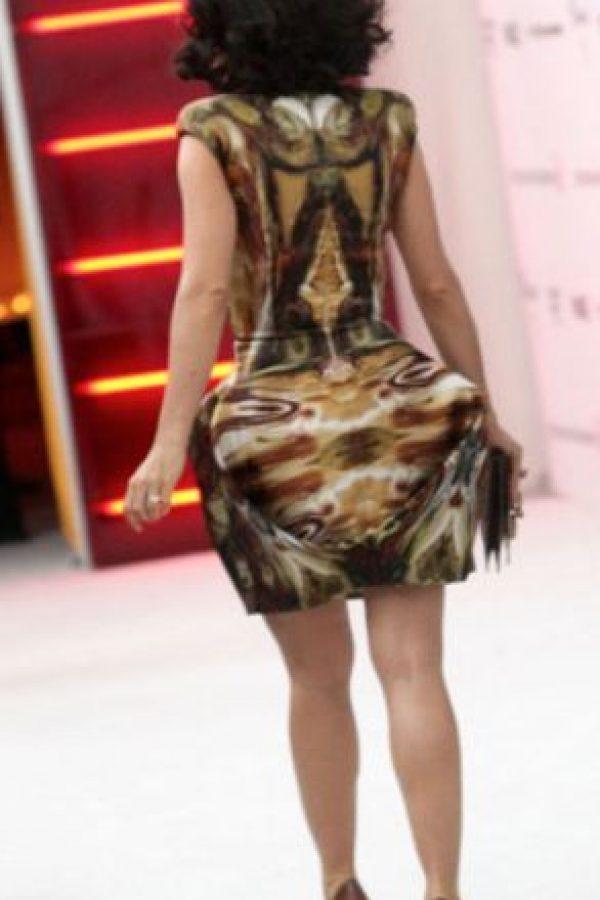 Por eso a Salma Hayek el vestido la hace ver desproporcionada. Foto:vía Getty Images